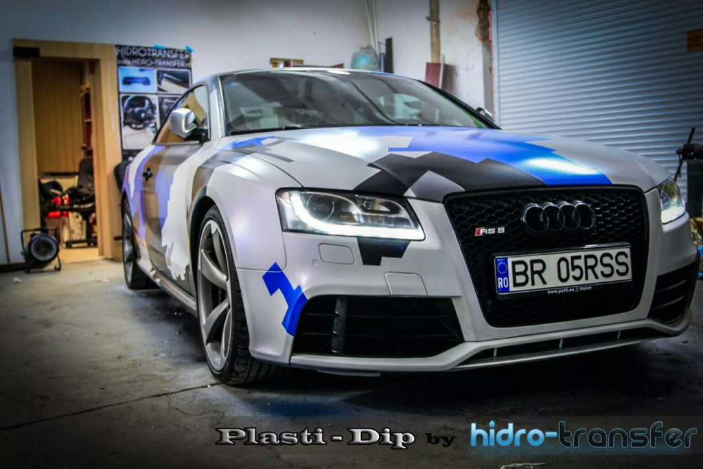 Audi Dipped in Hydro Transfer using Blue Spectre, Violet Spectre, Electric Blue, Black gunmetal. All this using vehicle dip Pearls from Paint with Pearl.