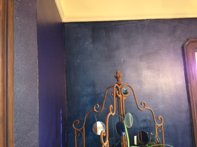 Dining Room Walls painted with Blue to Purple chameleon. Faux Finish.