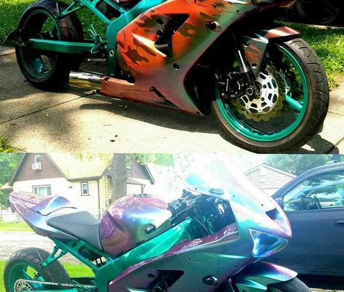 Super-bike painted camouflage, then with thermochromic, then with our Spectre Kameleon.